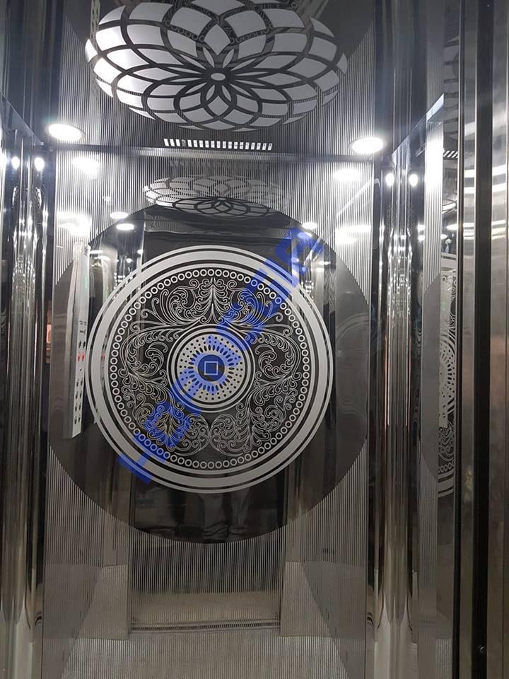 ET Mirror Door 04